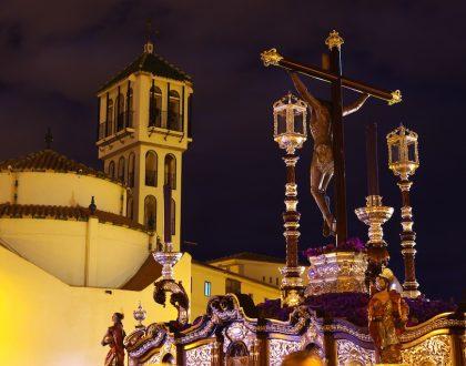 Mesa Redonda entre las Hermandades de Málaga con imágenes del escultor Francisco Palma